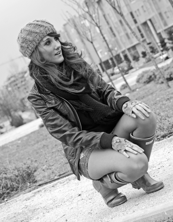 with my hunter boots blanco y negro